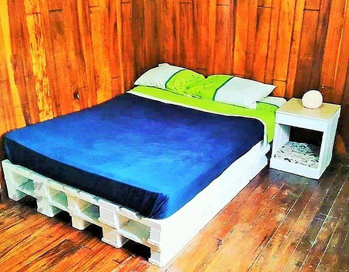 Wooden-Pallet-Diy-Bed- pattern free easy-Free Patterns- 06