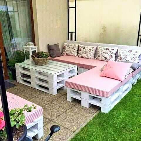 Build a wooden pallets sofa and bench- (14)