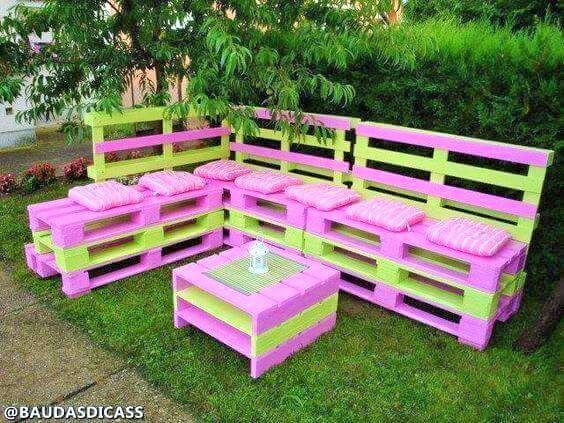 Build a wooden pallets sofa and bench- (9)