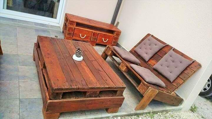 DIY Pallet Dining Tables Ideas- (11)
